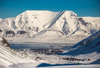 Svalbard in a nutshell - Grumant Arctic Travel Co.