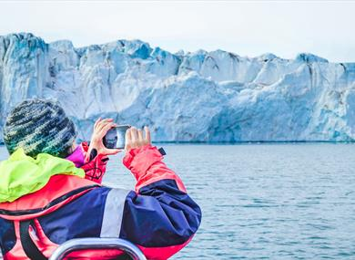 Photographing a glacier